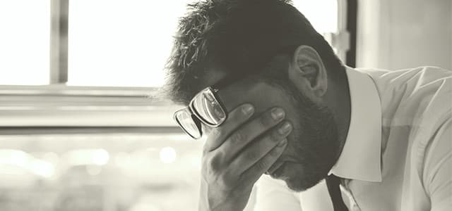 recovery-shutter287031131-upset-man-with-glasses